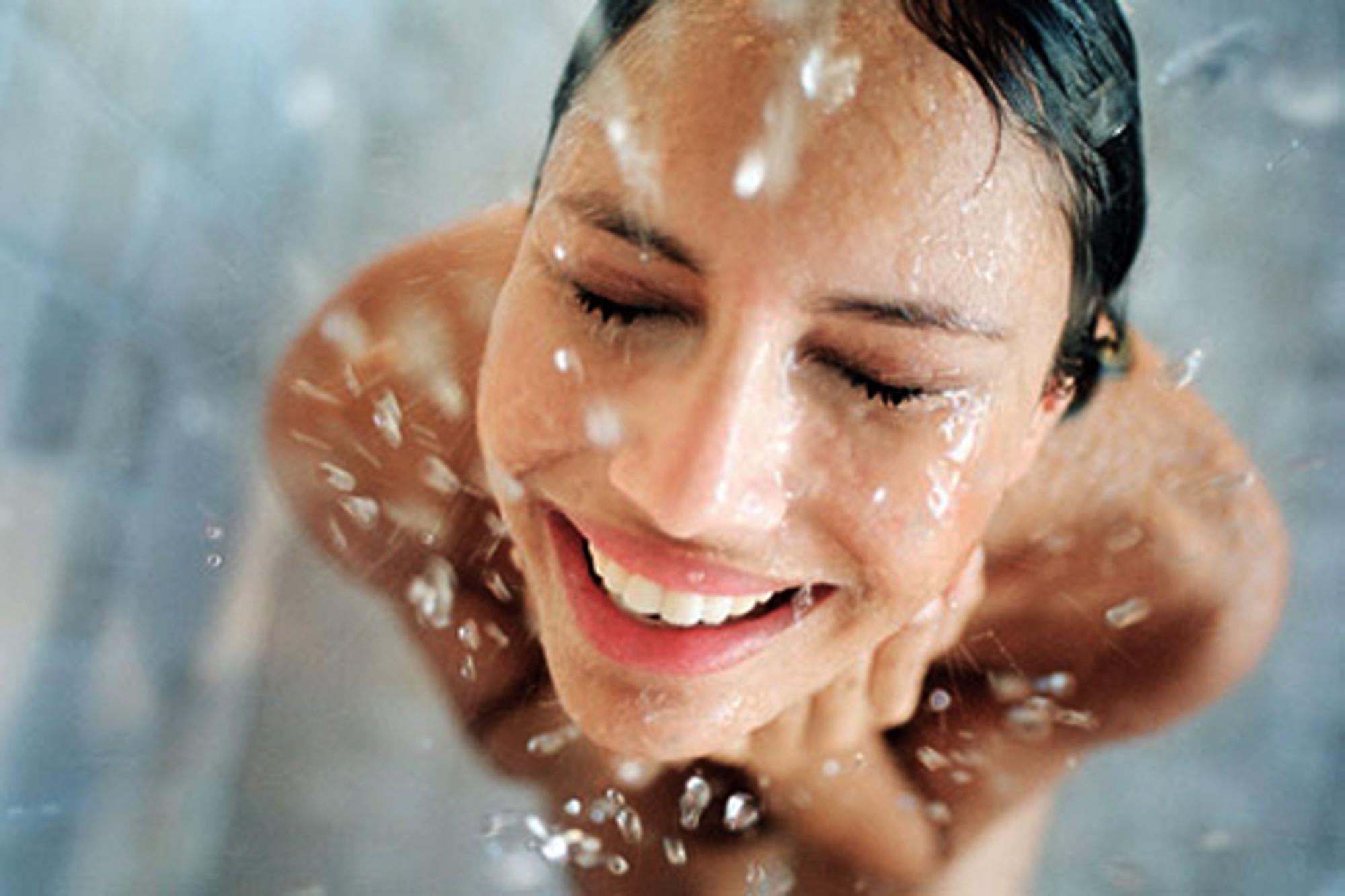 woman-showering1